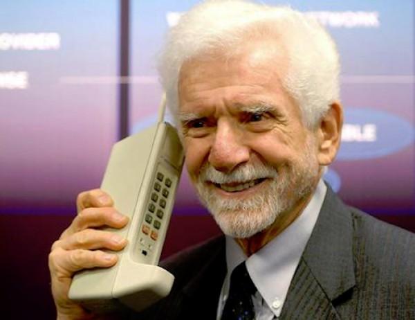 Мобильному телефону исполнилось 46 лет
