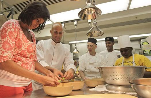 Мишель Обама устраивает в Белом доме кулинарный конкурс