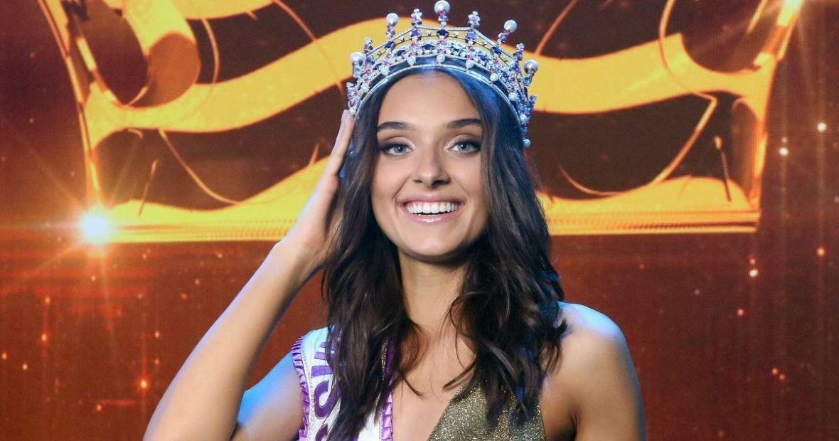 """Лишенная титула """"Мисс Украина-2018"""" заявила, что большинство моделей жив..."""