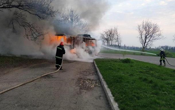 В Черкасской области во время движения загорелся автобус