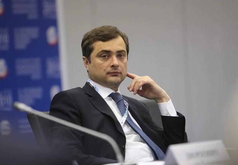 """Сурков сравнил себя с Джобсом, которого """"выдавили"""" из Apple"""