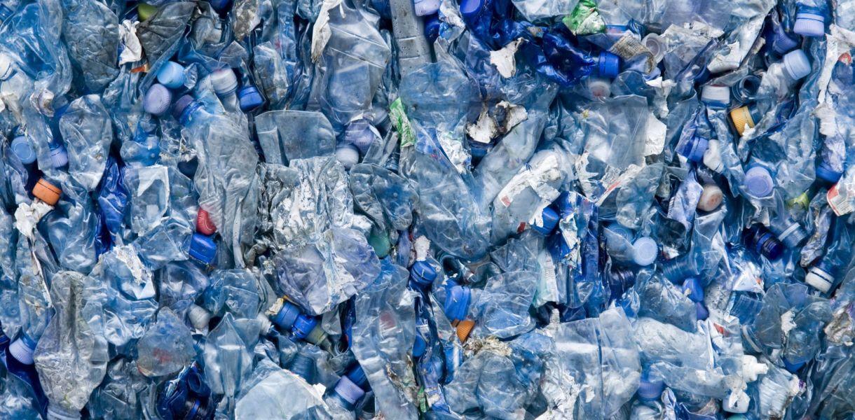 Человек в год съедает не менее 50 тысяч микрочастиц пластика, – исследов...