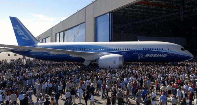 Мексика продает президентский самолет, чтобы остановить нелегальную имми...