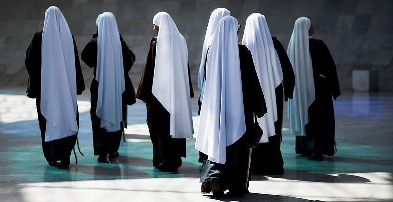 В Италии женщина притворялась монахиней, чтобы избежать тюрьмы