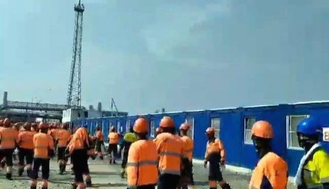 Мигранты-рабочие на стройке Газпрома устроили погром из-за невыплаты зар...