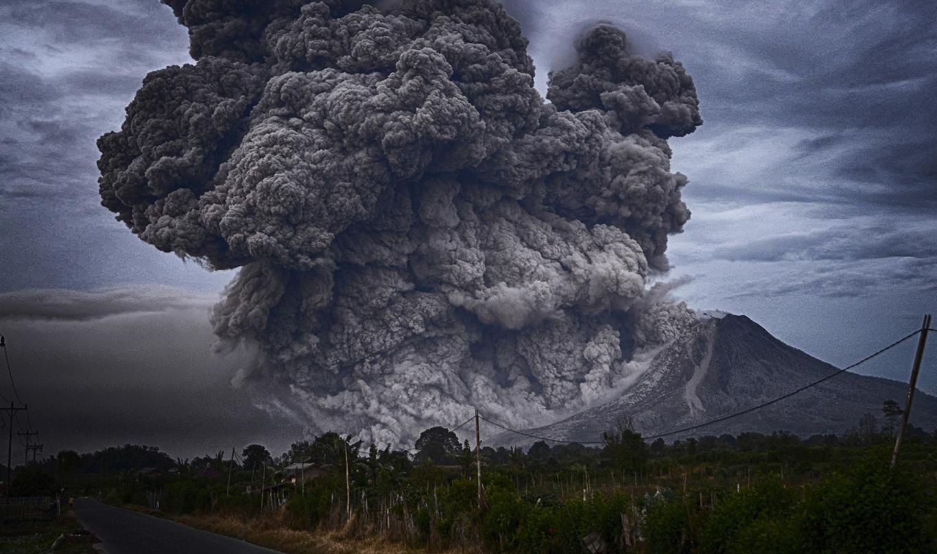 Вулканы-убийцы. 7 самых страшных извержений, известных человечеству