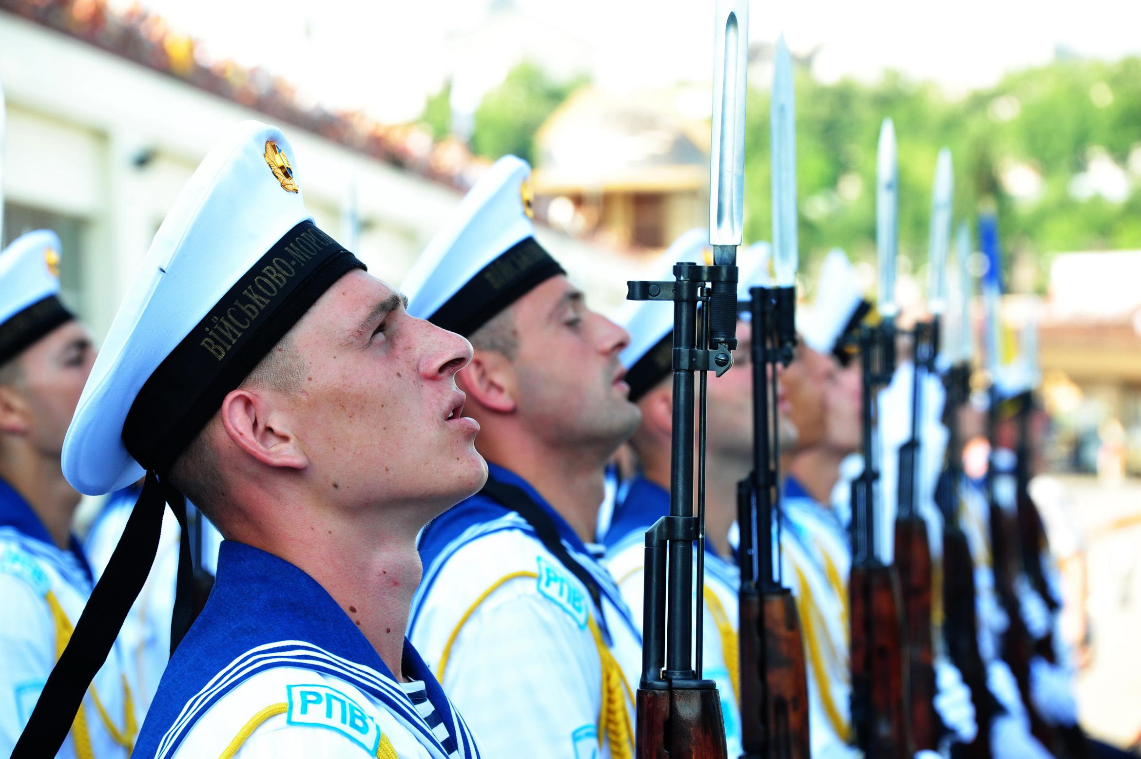 Украинским морякам повысили зарплату за выполнение боевых задач в Азовск...