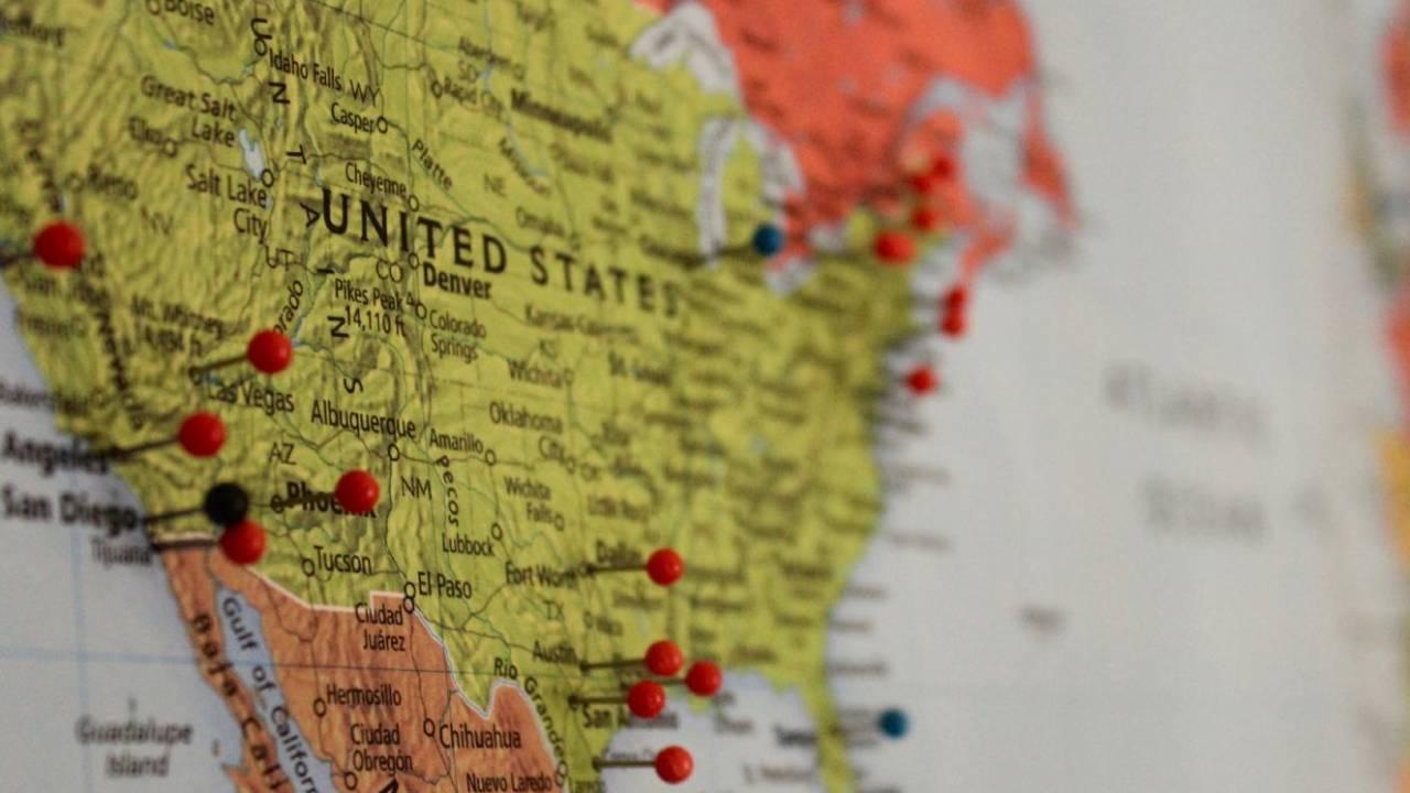 Китай заявил, что США создают панику вокруг вспышки коронавируса