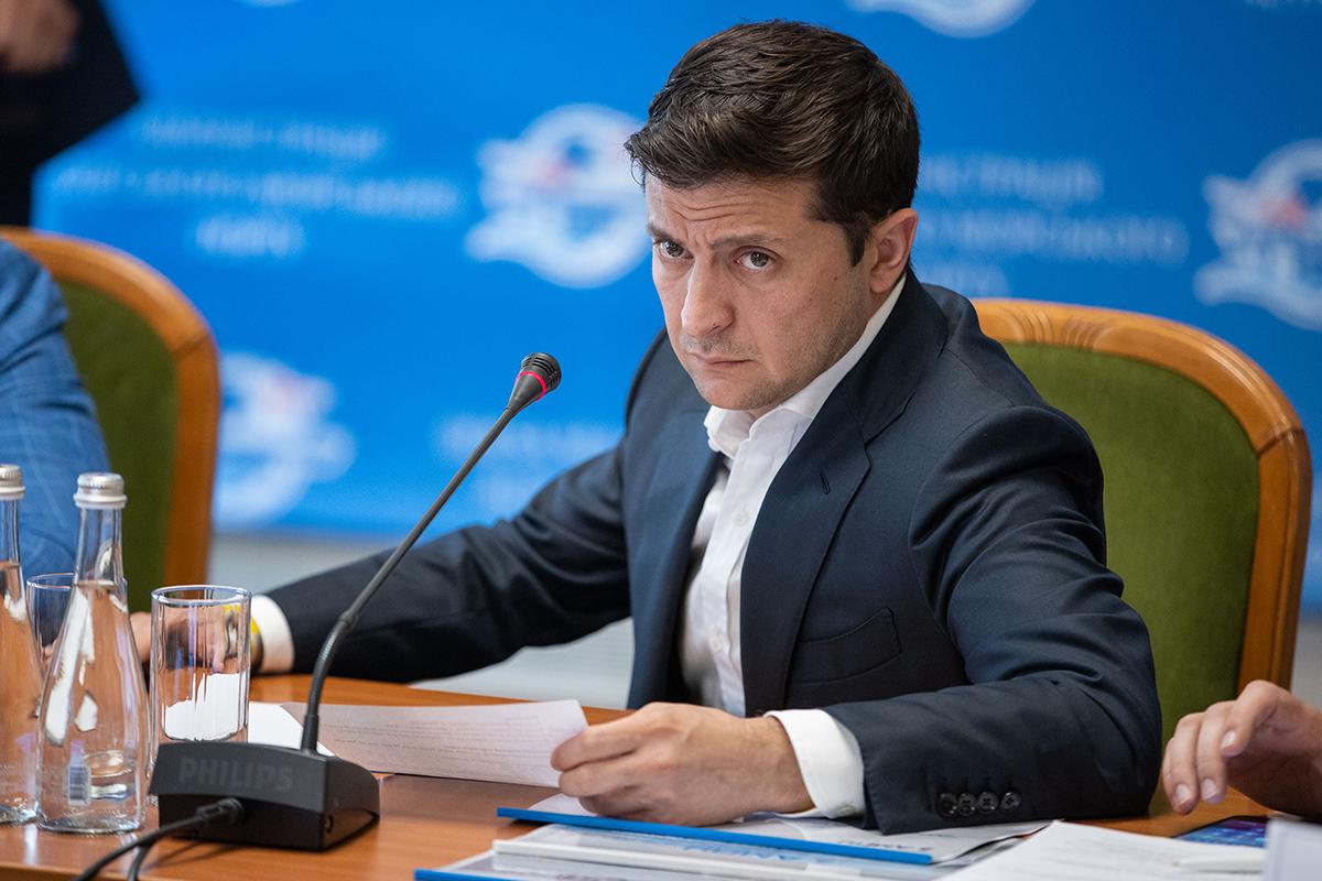 Президент собирает на Банковой силовиков, руководство ВР и Кабмина