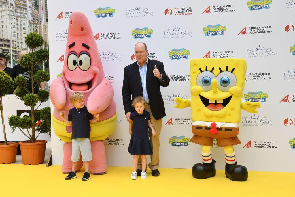 Принц и принцесса Монако встретились с Губкой Бобом