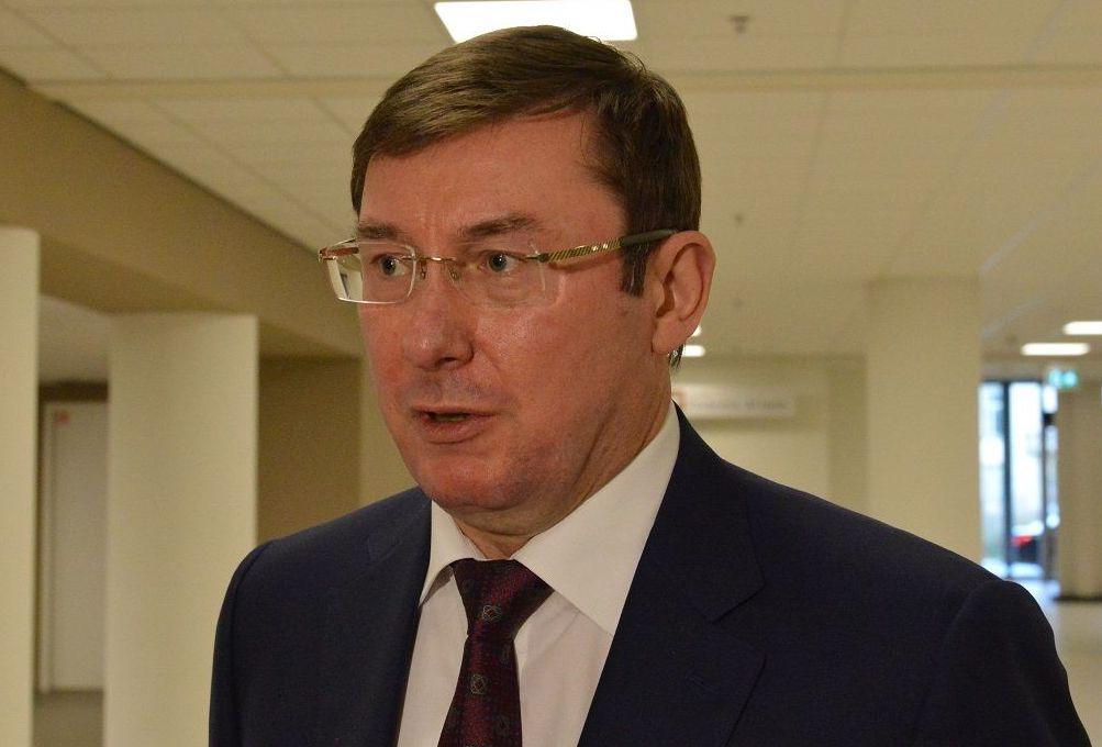 Депортировать Саакашвили пока не собираются, будут просить домашний арес...