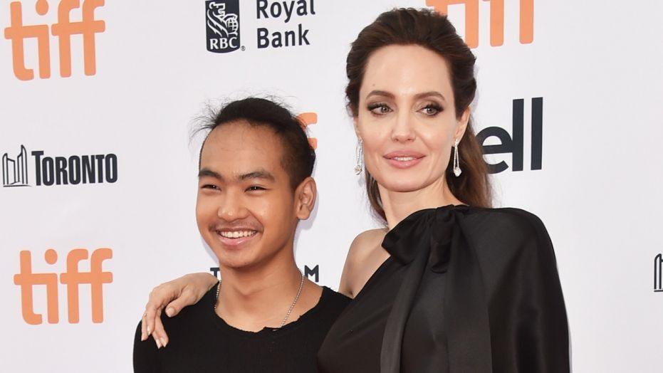 Старший сын Анджелины Джоли уехал из Южной Кореи из-за пандемии COVID-19