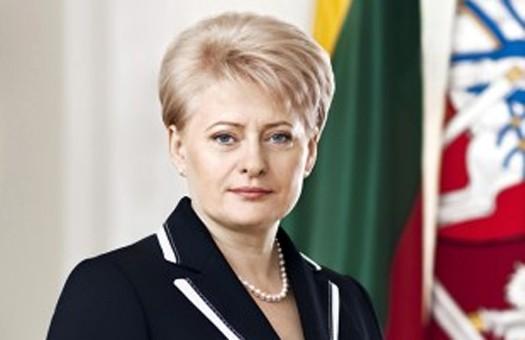 Ющенко торжественно встретил Грибаускайте на крыльце секретариата