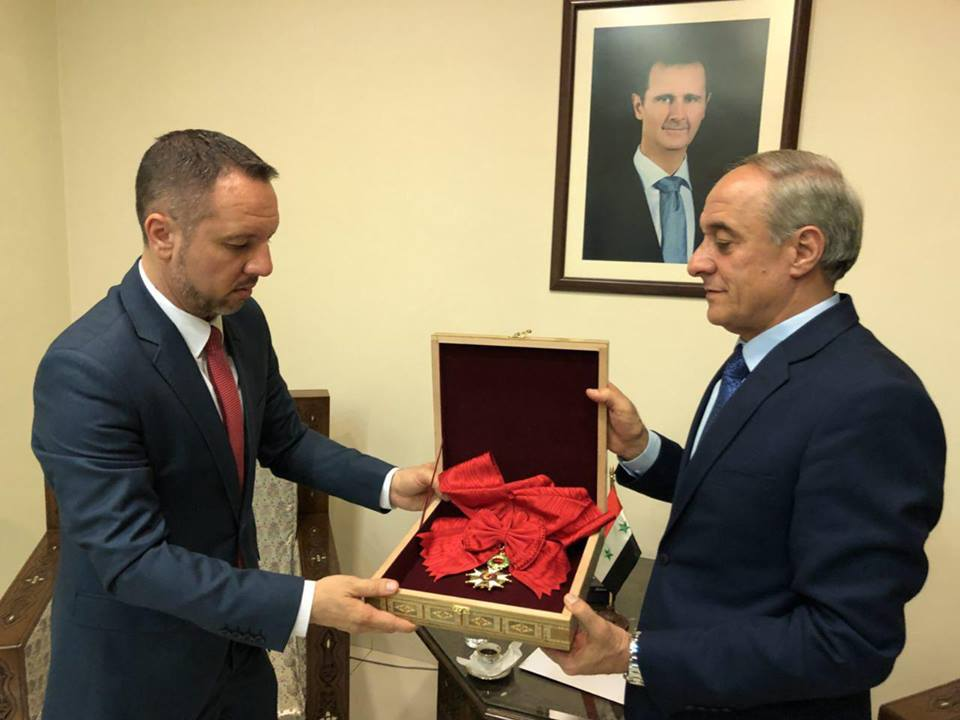 Асад вернул Франции орден Почетного легиона