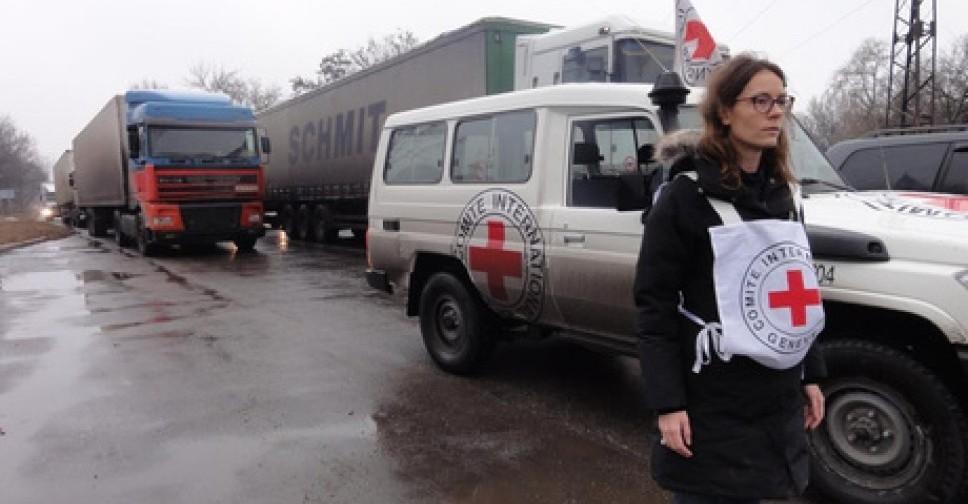 На неподконтрольную Киеву часть Донбасса ушли 15 грузовиков с гуманитарк...