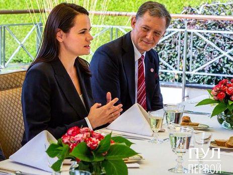 Выразила благодарность США: Тихановская встретилась с заместителем главы...