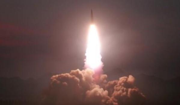 КНДР запустила две баллистические ракеты малой дальности, – СМИ