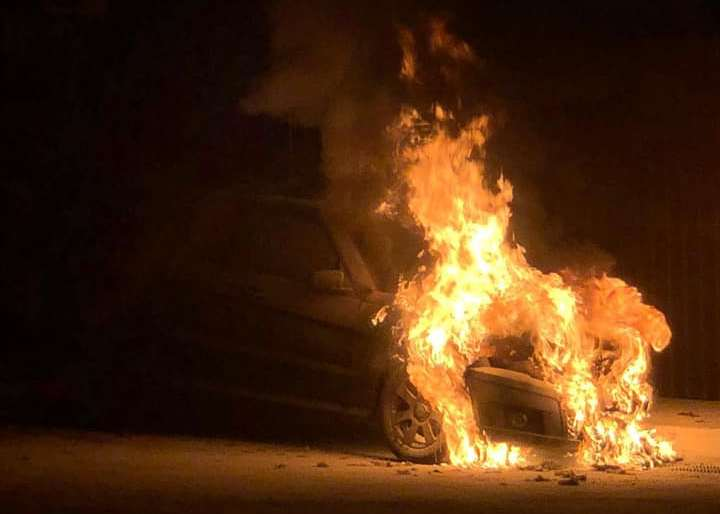 Депутату Гео Леросу сожгли авто: фото и видео происшествия
