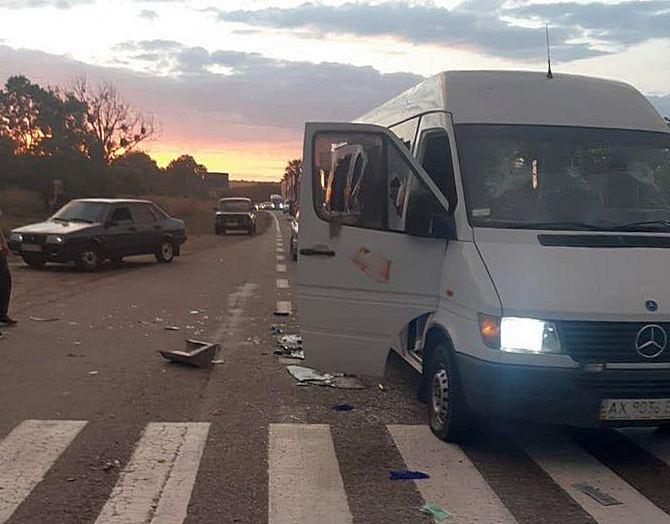 """Суд арестовал уже 9 подозреваемых в нападении на автобус """"Патриотов – за..."""