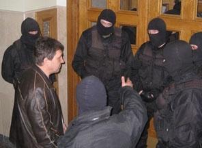 Суд не дал СБУ возбудить дело против Добкина и Кернеса