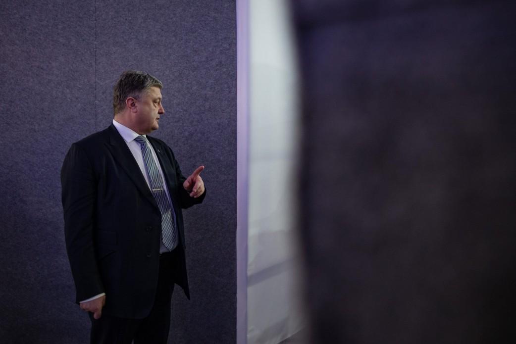 Порошенко проигрывает Зеленскому по итогам обработки трети бюллетеней