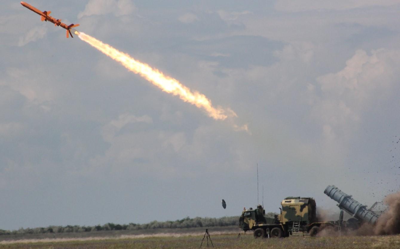 """Под Одессой прошли испытания управляемых ракет """"Нептун"""" со снаряженной б..."""