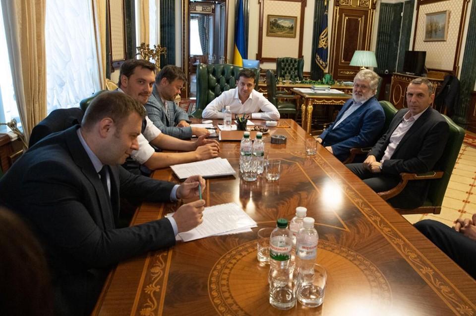 """""""Плюс один, один плюс один"""". Зеленский допускает конфликт с Коломойским..."""