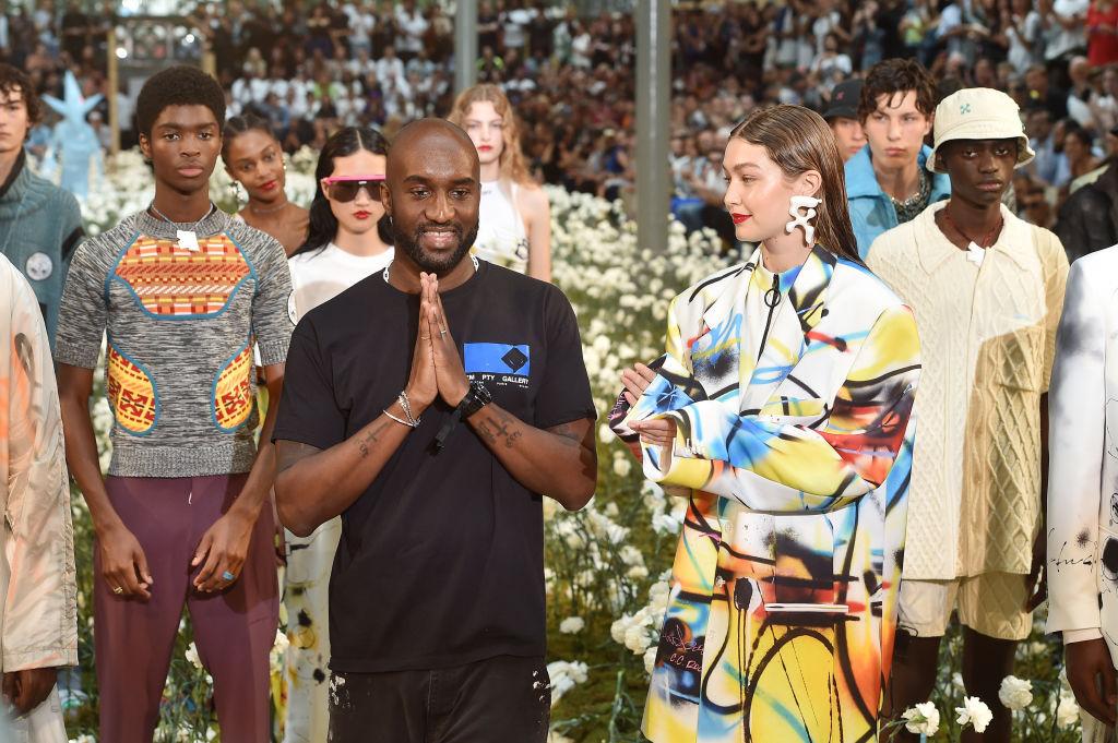 Джиджи Хадид приняла участие в показе бренда Off-White в Париже