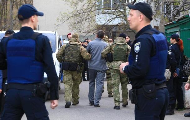 В Одессе на автостоянке произошла стрельба, есть раненые