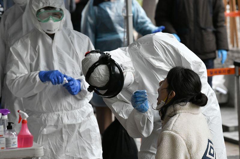 В Южной Корее у 91 пациента повторно диагностировали коронавирус после в...