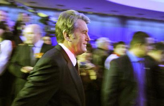 Ющенко почтил память жертв Голодомора и объяснил, кто такой хохол