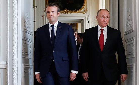 Макрон попросил Путина не вводить в Беларусь армию