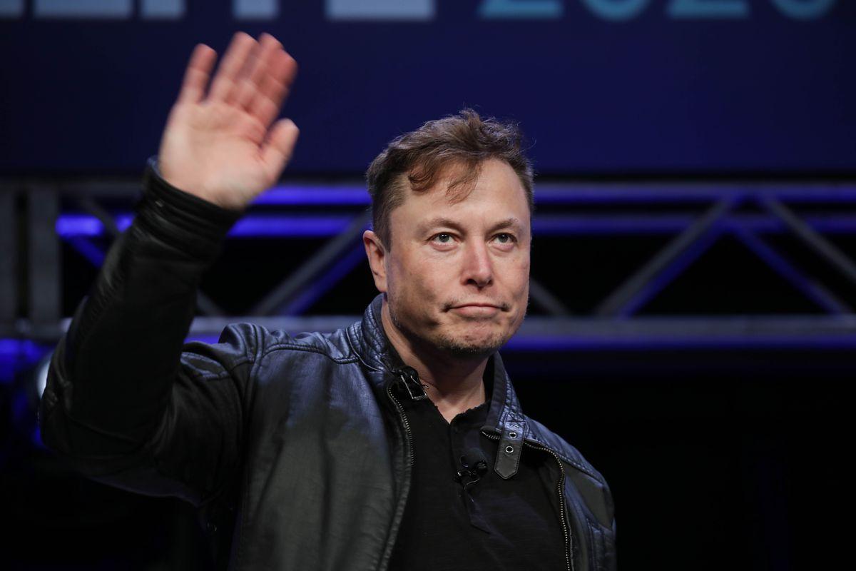 Илон Маск поднялся на четвертую строчку списка богатейших людей мира