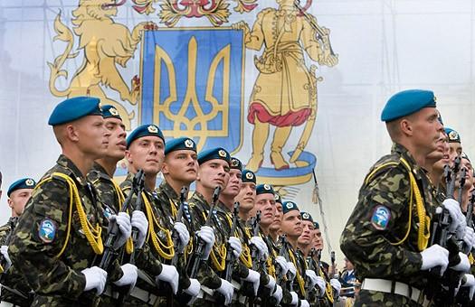 Порошенко объяснил, зачем нужен военный парад