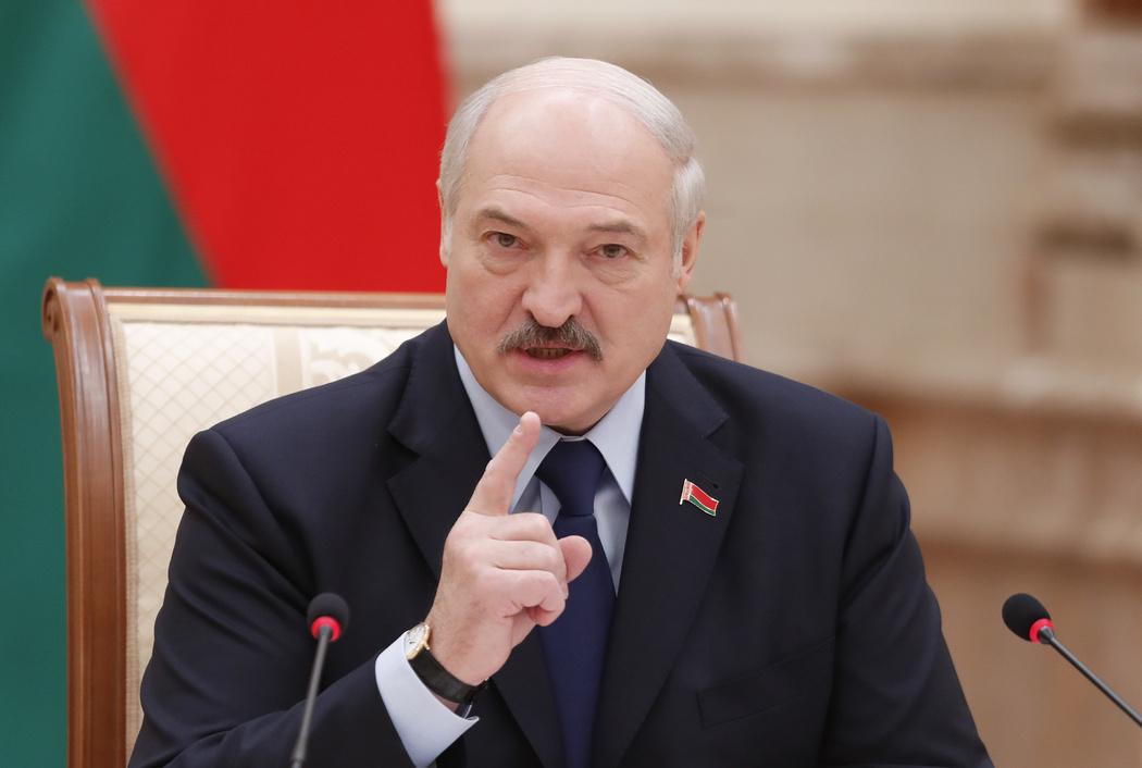 Лукашенко обвинил Украину во вмешательстве в ситуацию в Беларуси