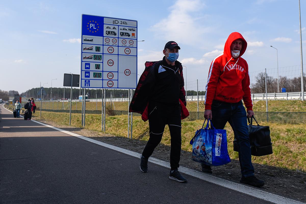 Пора домой. Истории мигрантов, которые вернулись в Украину из ОАЭ, Китая...