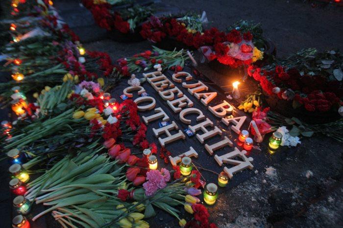 Порошенко присвоил Героев Украины еще 5 погибшим на Майдане