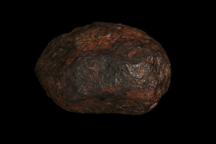 Ученые обнаружили в метеорите минерал, ранее не встречавшийся в природе