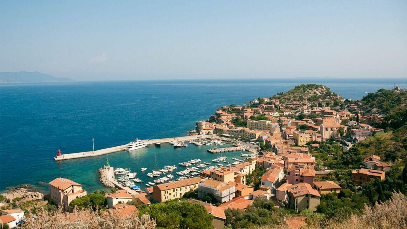 Ученых удивляет итальянский остров Джильо, где не болеют коронавирусом