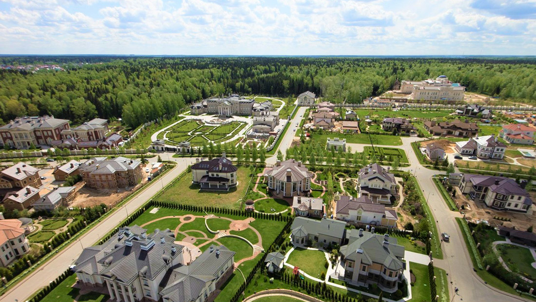 Янукович купил не глядя особняк под Москвой за 52 млн долларов, — СМИ