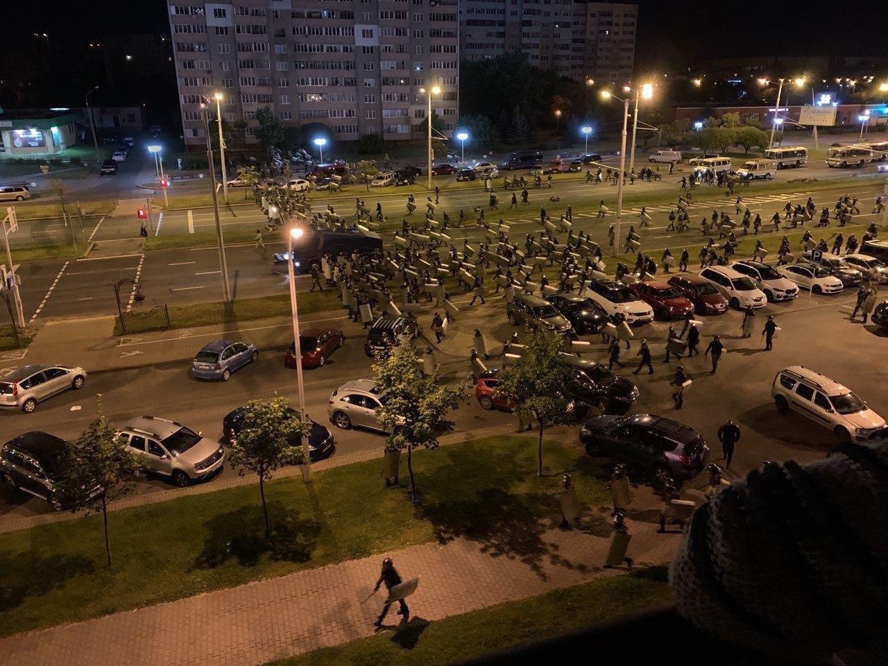 В МВД Беларуси подтвердили данные о более 2000 задержанных во время акци...