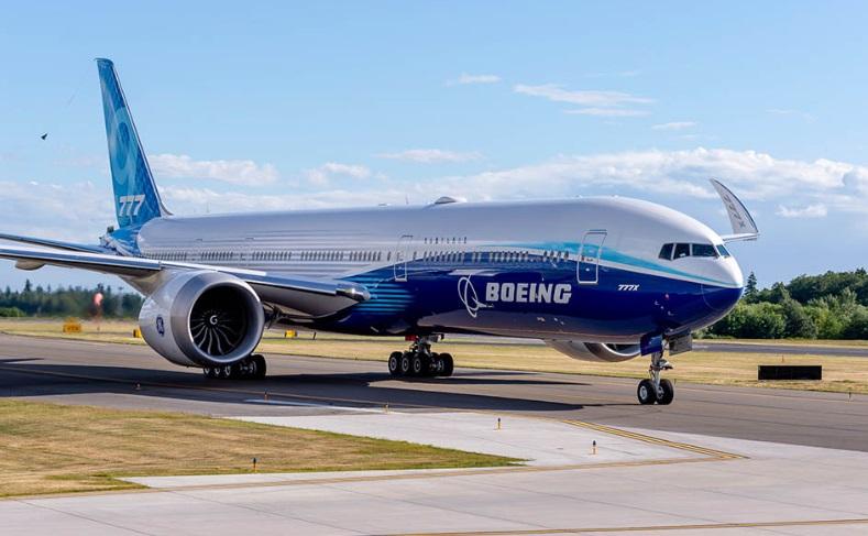 Новый Boeing 777X  отправился в свой первый полет