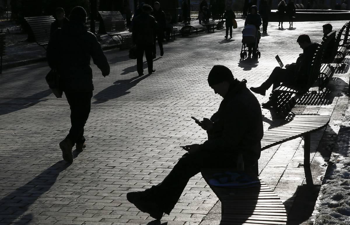 Несмотря на пандемию. В Украине с начала 2020 года умерло меньше людей,...