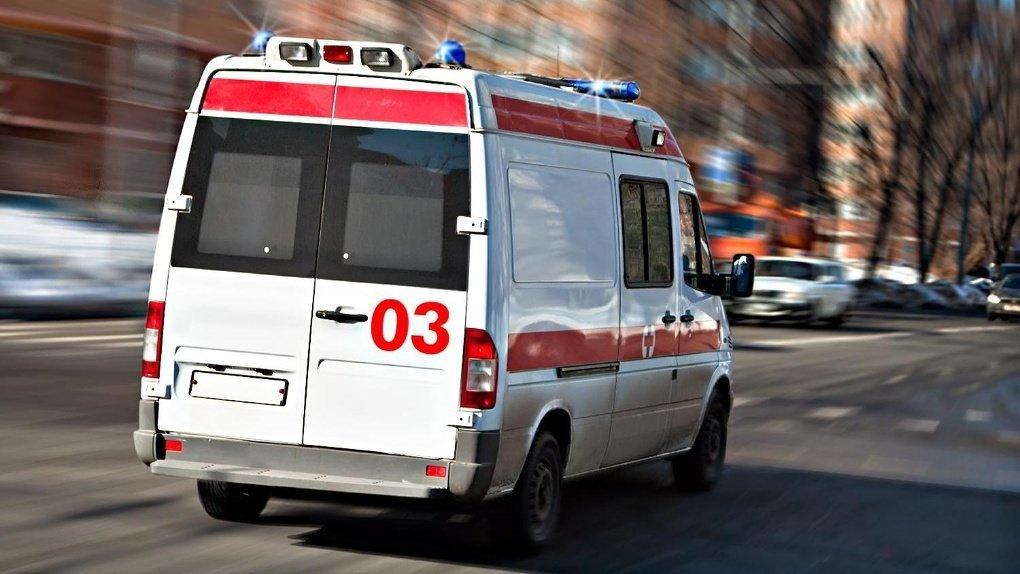 В Сумах из окна студенческого общежития выпала девушка