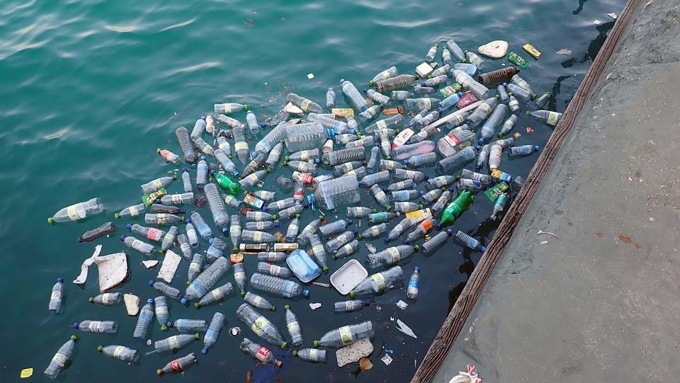 Ученые заявили, что мы живем в пластмассовом  веке