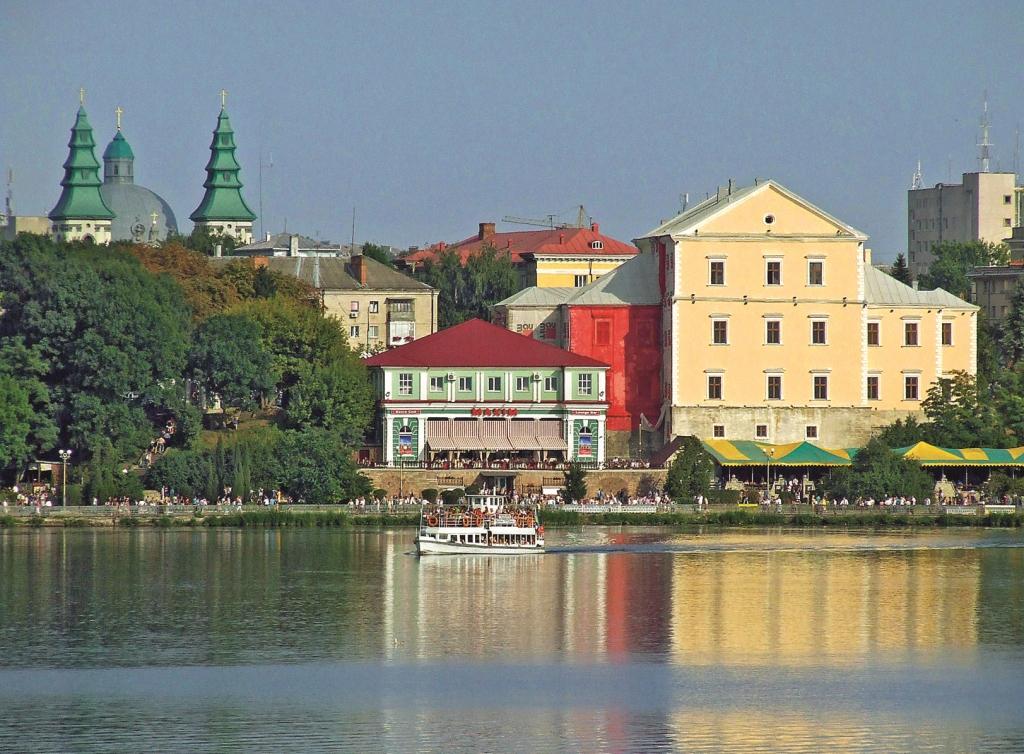 удивляются почему город тернополь фото среднем длится