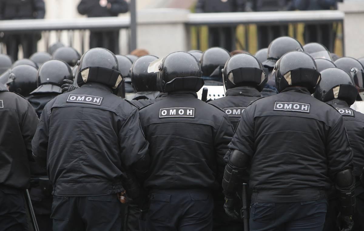 Российский футбольный клуб оштрафован за то, что ОМОН избил болельщиков...