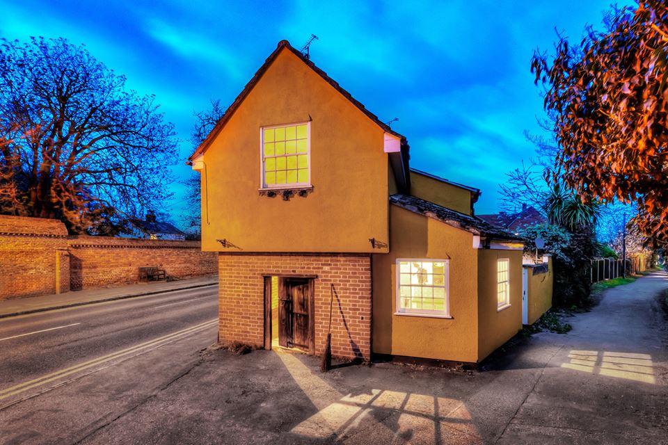 В Британии продается дом с привидениями, служивший ранее тюрьмой для вед...