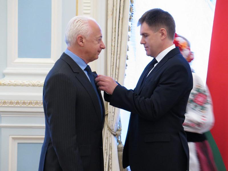 Дирижер Владимир Спиваков отказался от ордена, которым его наградил Лука...