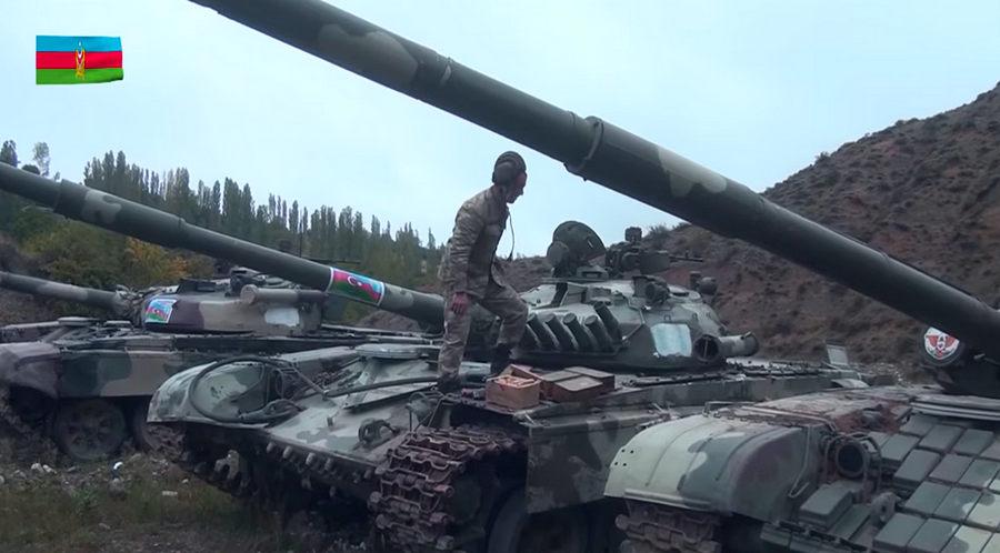 Азербайджан опубликовал видео армянской бронетехники, захваченной после...